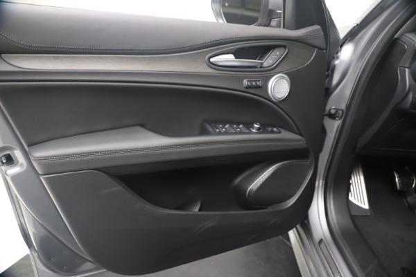New 2020 Alfa Romeo Stelvio Ti Lusso Q4 for sale $55,790 at Alfa Romeo of Westport in Westport CT 06880 17
