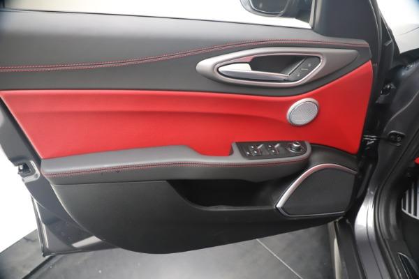 New 2020 Alfa Romeo Giulia Ti Sport Q4 for sale Sold at Alfa Romeo of Westport in Westport CT 06880 17