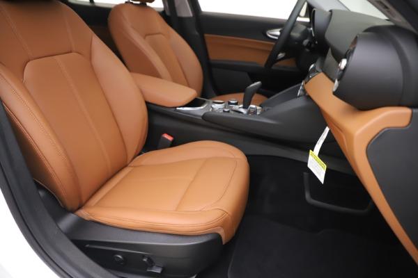New 2020 Alfa Romeo Giulia Q4 for sale $45,590 at Alfa Romeo of Westport in Westport CT 06880 25