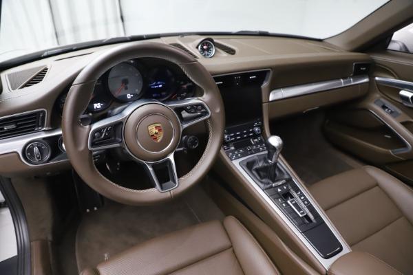 Used 2018 Porsche 911 Targa 4S for sale $134,900 at Alfa Romeo of Westport in Westport CT 06880 17
