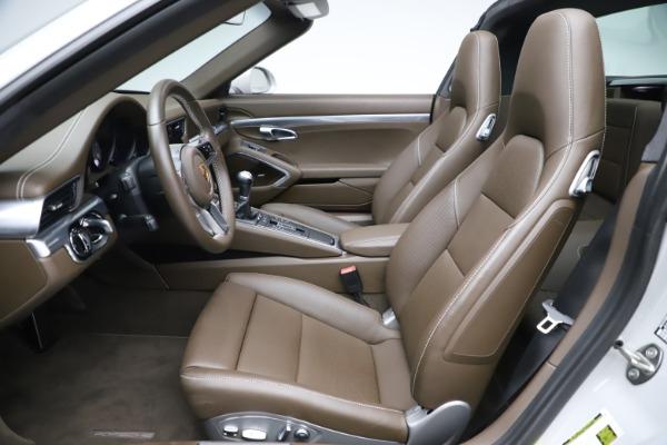 Used 2018 Porsche 911 Targa 4S for sale $134,900 at Alfa Romeo of Westport in Westport CT 06880 18