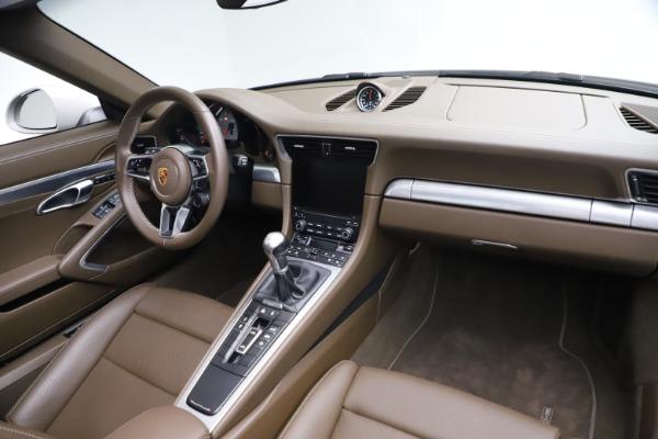 Used 2018 Porsche 911 Targa 4S for sale $134,900 at Alfa Romeo of Westport in Westport CT 06880 22