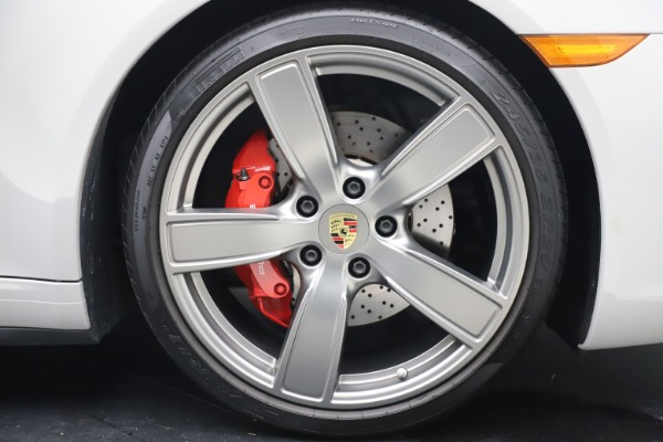 Used 2018 Porsche 911 Targa 4S for sale $134,900 at Alfa Romeo of Westport in Westport CT 06880 28