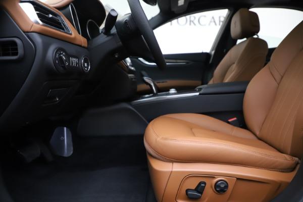 New 2020 Maserati Ghibli S Q4 for sale $79,985 at Alfa Romeo of Westport in Westport CT 06880 14