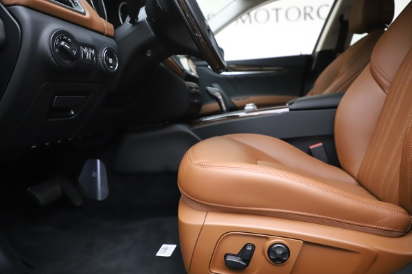 New 2020 Maserati Ghibli S Q4 GranLusso for sale $89,535 at Alfa Romeo of Westport in Westport CT 06880 14