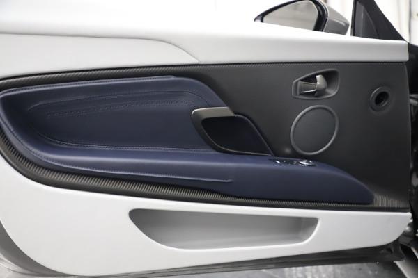 New 2020 Aston Martin DB11 Volante Convertible for sale $271,161 at Alfa Romeo of Westport in Westport CT 06880 17