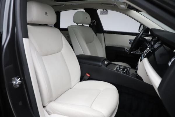 Used 2016 Rolls-Royce Ghost for sale $175,900 at Alfa Romeo of Westport in Westport CT 06880 14