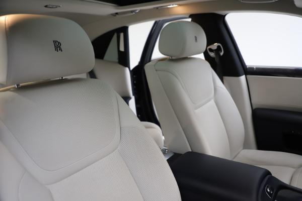 Used 2015 Rolls-Royce Ghost for sale $157,900 at Alfa Romeo of Westport in Westport CT 06880 16