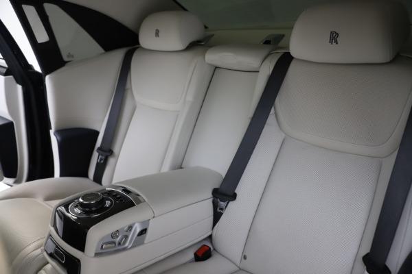 Used 2015 Rolls-Royce Ghost for sale $157,900 at Alfa Romeo of Westport in Westport CT 06880 17