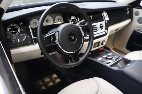 Used 2015 Rolls-Royce Ghost for sale $157,900 at Alfa Romeo of Westport in Westport CT 06880 19
