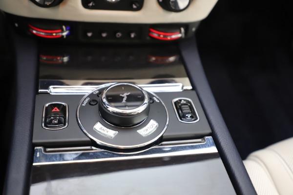 Used 2015 Rolls-Royce Ghost for sale $157,900 at Alfa Romeo of Westport in Westport CT 06880 21