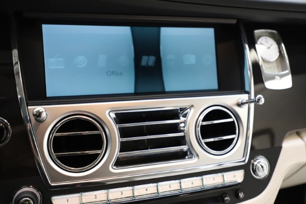 Used 2015 Rolls-Royce Ghost for sale $157,900 at Alfa Romeo of Westport in Westport CT 06880 23