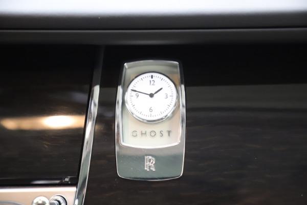 Used 2015 Rolls-Royce Ghost for sale $157,900 at Alfa Romeo of Westport in Westport CT 06880 24