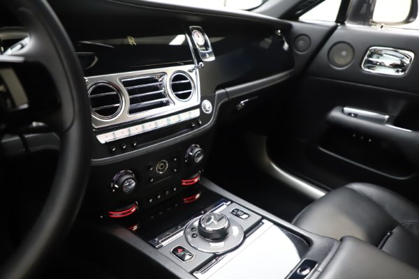 Used 2014 Rolls-Royce Wraith for sale $159,900 at Alfa Romeo of Westport in Westport CT 06880 19