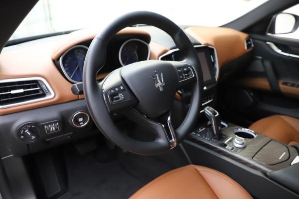 New 2019 Maserati Ghibli S Q4 GranLusso for sale $98,095 at Alfa Romeo of Westport in Westport CT 06880 13
