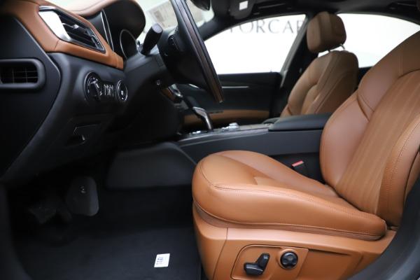 New 2019 Maserati Ghibli S Q4 GranLusso for sale $98,095 at Alfa Romeo of Westport in Westport CT 06880 14