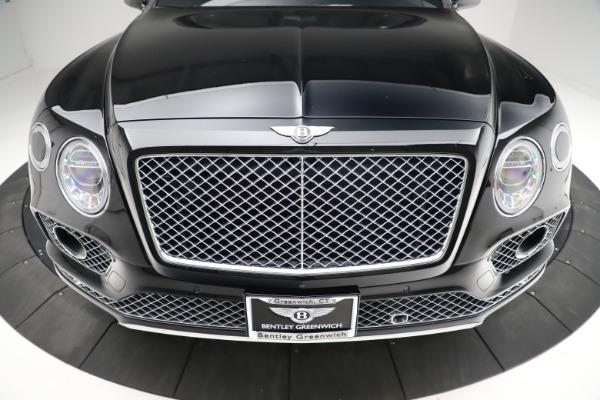Used 2017 Bentley Bentayga W12 for sale $139,900 at Alfa Romeo of Westport in Westport CT 06880 13