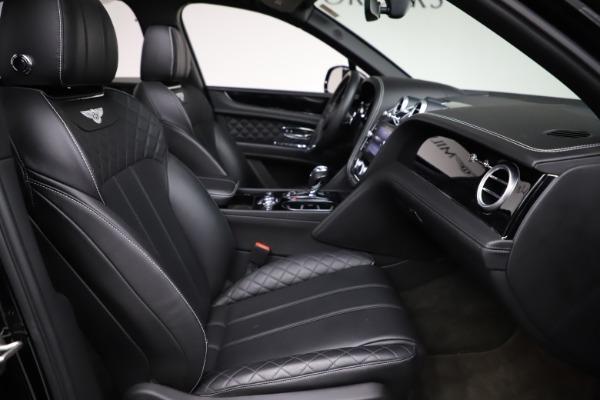 Used 2017 Bentley Bentayga W12 for sale $139,900 at Alfa Romeo of Westport in Westport CT 06880 26