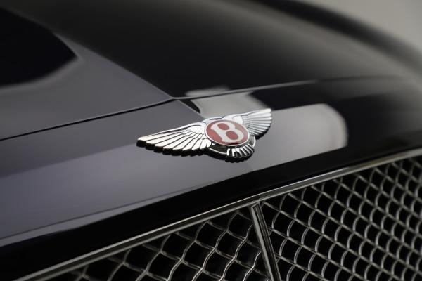 Used 2016 Bentley Flying Spur V8 for sale $119,900 at Alfa Romeo of Westport in Westport CT 06880 14