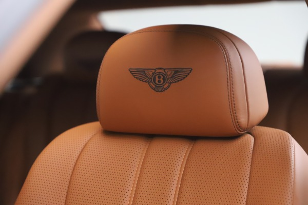 Used 2016 Bentley Flying Spur V8 for sale $119,900 at Alfa Romeo of Westport in Westport CT 06880 20