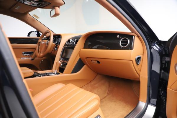 Used 2016 Bentley Flying Spur V8 for sale $119,900 at Alfa Romeo of Westport in Westport CT 06880 22