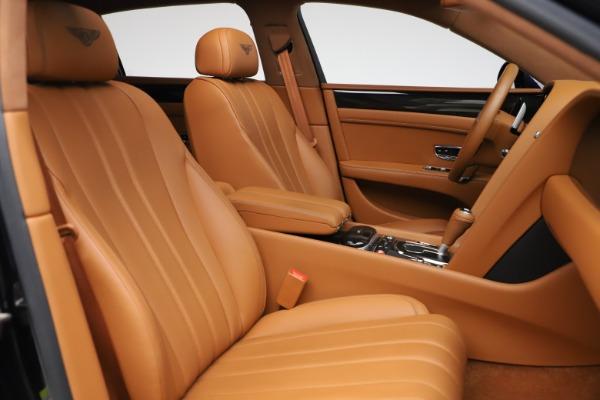 Used 2016 Bentley Flying Spur V8 for sale $119,900 at Alfa Romeo of Westport in Westport CT 06880 24
