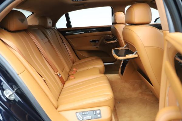 Used 2016 Bentley Flying Spur V8 for sale $119,900 at Alfa Romeo of Westport in Westport CT 06880 26