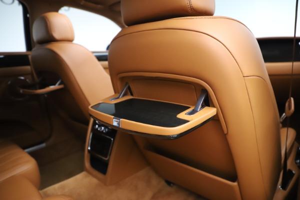 Used 2016 Bentley Flying Spur V8 for sale $119,900 at Alfa Romeo of Westport in Westport CT 06880 28
