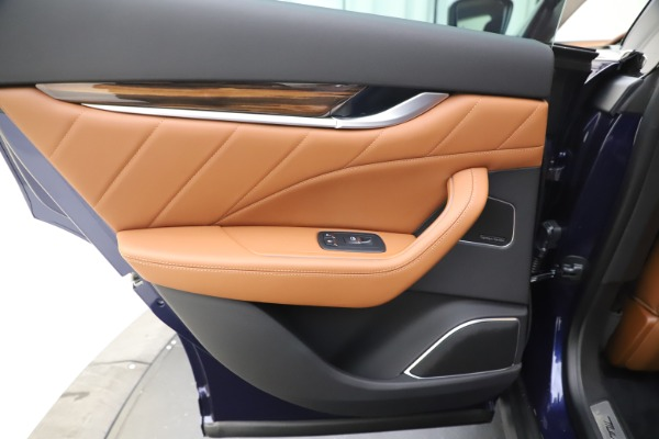 New 2020 Maserati Levante Q4 GranLusso for sale $87,335 at Alfa Romeo of Westport in Westport CT 06880 21