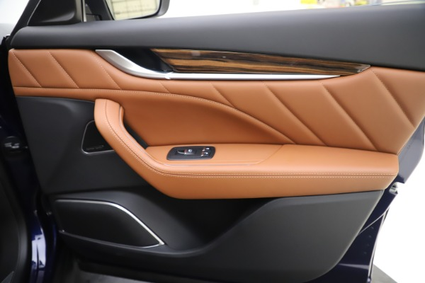 New 2020 Maserati Levante Q4 GranLusso for sale $87,335 at Alfa Romeo of Westport in Westport CT 06880 25