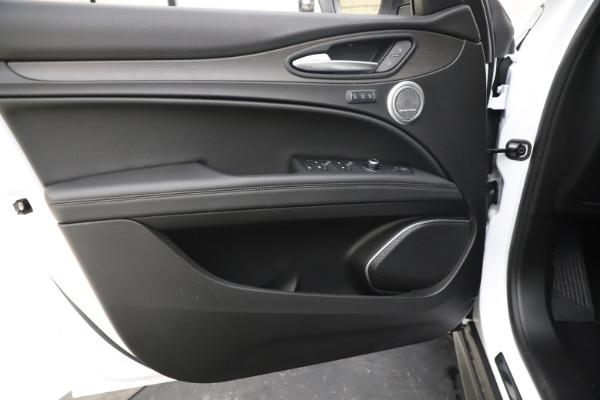 New 2019 Alfa Romeo Stelvio Ti Q4 for sale $51,490 at Alfa Romeo of Westport in Westport CT 06880 17