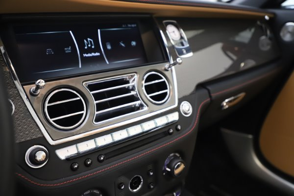 Used 2019 Rolls-Royce Dawn Black Badge for sale $359,900 at Alfa Romeo of Westport in Westport CT 06880 26