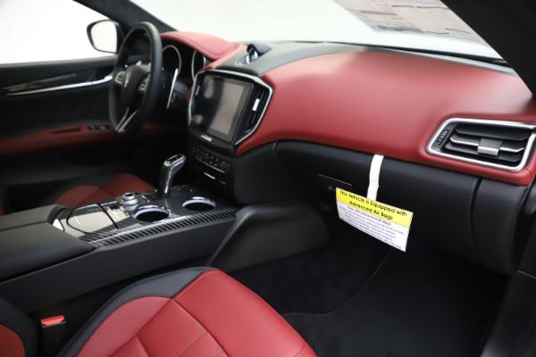 New 2020 Maserati Ghibli S Q4 GranSport for sale $94,785 at Alfa Romeo of Westport in Westport CT 06880 22