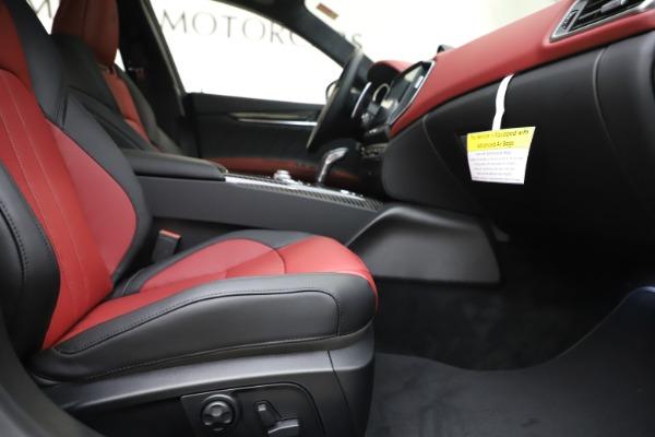 New 2020 Maserati Ghibli S Q4 GranSport for sale $94,785 at Alfa Romeo of Westport in Westport CT 06880 23