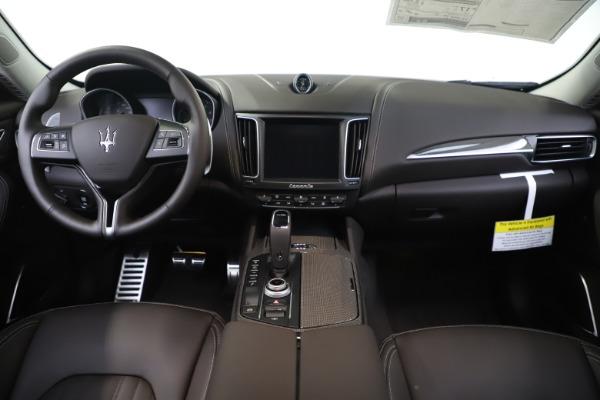 New 2020 Maserati Levante Q4 GranLusso for sale $87,885 at Alfa Romeo of Westport in Westport CT 06880 16