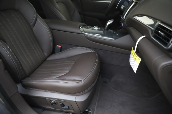 New 2020 Maserati Levante Q4 GranLusso for sale $87,885 at Alfa Romeo of Westport in Westport CT 06880 24