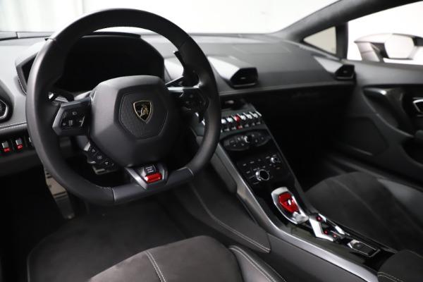 Used 2017 Lamborghini Huracan LP 580-2 for sale $179,900 at Alfa Romeo of Westport in Westport CT 06880 13