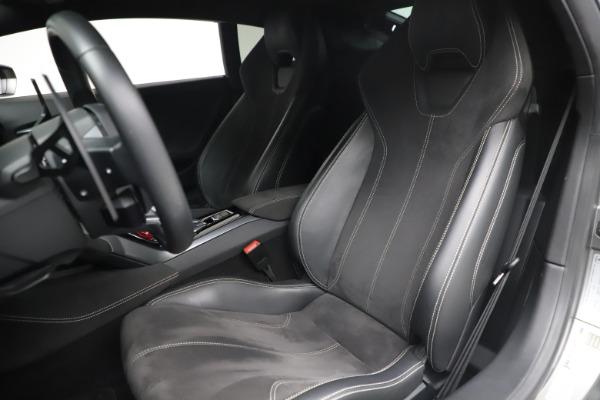 Used 2017 Lamborghini Huracan LP 580-2 for sale $179,900 at Alfa Romeo of Westport in Westport CT 06880 14