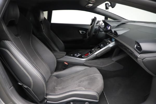 Used 2017 Lamborghini Huracan LP 580-2 for sale $179,900 at Alfa Romeo of Westport in Westport CT 06880 17