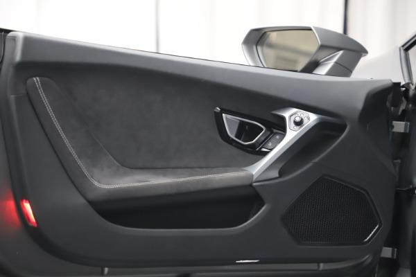 Used 2017 Lamborghini Huracan LP 580-2 for sale $179,900 at Alfa Romeo of Westport in Westport CT 06880 20