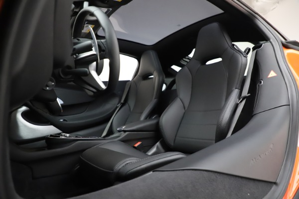New 2020 McLaren GT Coupe for sale $246,975 at Alfa Romeo of Westport in Westport CT 06880 21