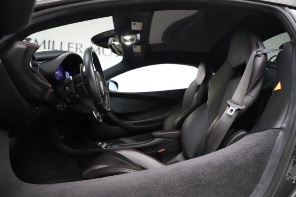 Used 2017 McLaren 570GT for sale $145,900 at Alfa Romeo of Westport in Westport CT 06880 10