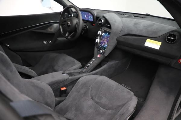 New 2020 McLaren 720S Coupe for sale $327,370 at Alfa Romeo of Westport in Westport CT 06880 18