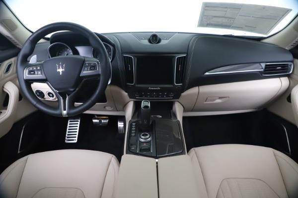 New 2020 Maserati Levante S Q4 GranLusso for sale $97,335 at Alfa Romeo of Westport in Westport CT 06880 16
