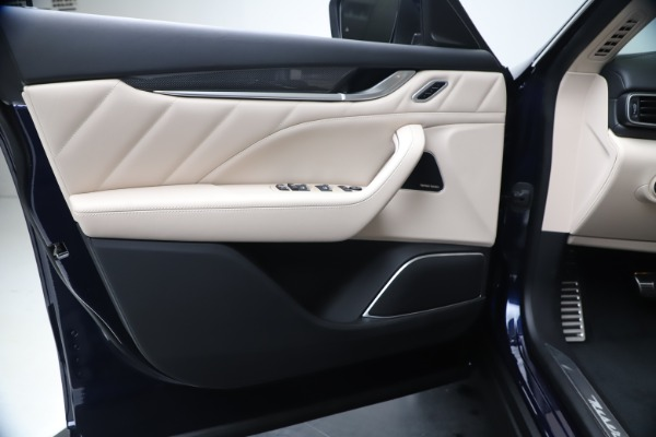 New 2020 Maserati Levante S Q4 GranLusso for sale $97,335 at Alfa Romeo of Westport in Westport CT 06880 17