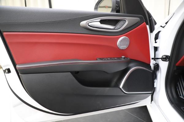 New 2020 Alfa Romeo Giulia Ti Sport Q4 for sale $51,995 at Alfa Romeo of Westport in Westport CT 06880 17