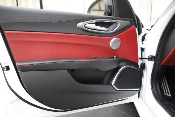 New 2020 Alfa Romeo Giulia Ti Sport Q4 for sale $51,995 at Alfa Romeo of Westport in Westport CT 06880 18