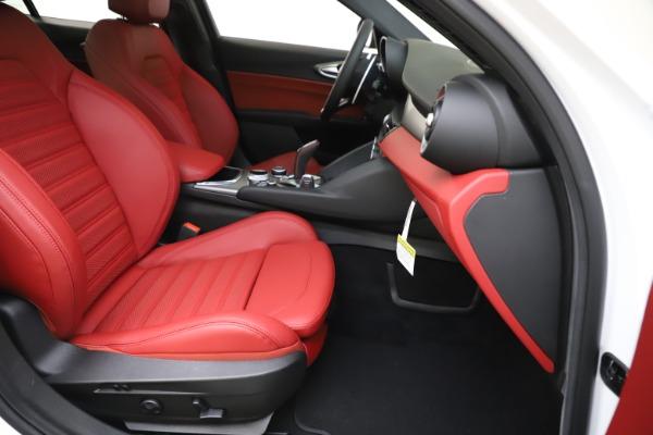New 2020 Alfa Romeo Giulia Ti Sport Q4 for sale $51,995 at Alfa Romeo of Westport in Westport CT 06880 25