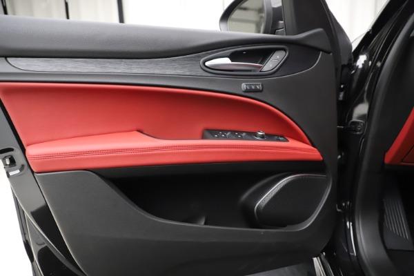 New 2020 Alfa Romeo Stelvio Sport Q4 for sale $50,795 at Alfa Romeo of Westport in Westport CT 06880 17