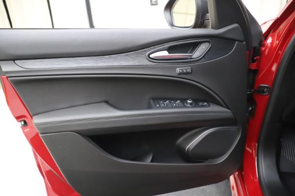 New 2020 Alfa Romeo Stelvio Sport Q4 for sale $50,495 at Alfa Romeo of Westport in Westport CT 06880 17